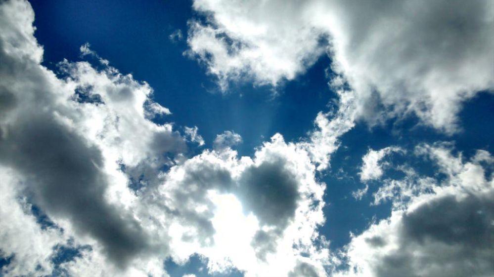 dd_15_cloudy_blue_sky